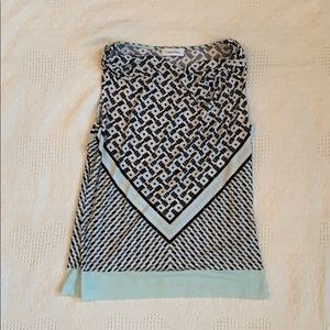 Sleeveless multi color shell